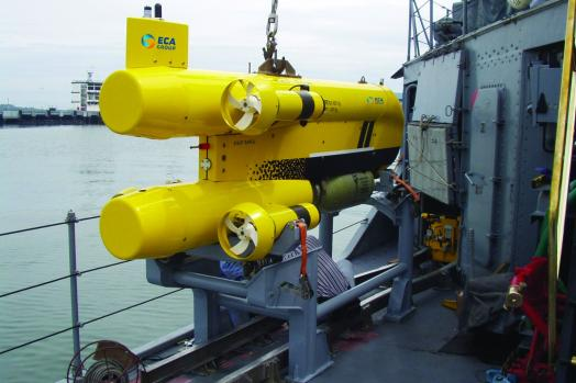 ECA-Group-MIDS-ROV-Mine-Identification-and-Destruction-Using-MDV-deployment-2.jpg