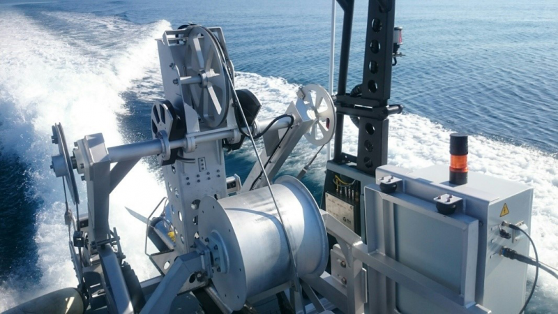 The LARS (launch and recovery system)