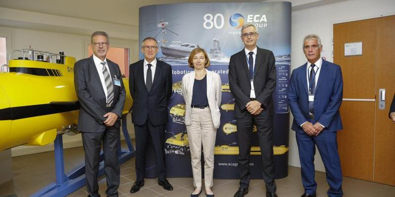 The French Minister of Armed Forces meets ECA Group teams in La Garde