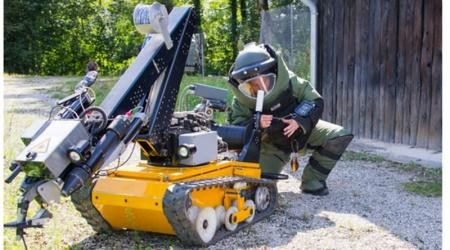 ECA GROUP - DEFENCE GOUV - FIRST WOMAN EOD OF THE ARMY