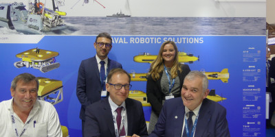 At the occasion of EURONAVAL, Naval Group and ECA Group signed the letter of intent for a contract worth more than € 12 million for the supply of electrical equipment (electric propulsion and variable speed drives), as well as associated a spare parts, fo
