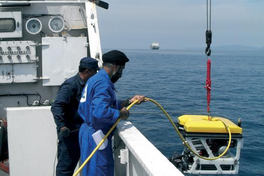 ECA-GROUP-ROV-H300-MK2-LAUNCHING.jpg