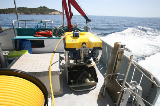 ECA-Group-ROV-H300V-ON-BOARD