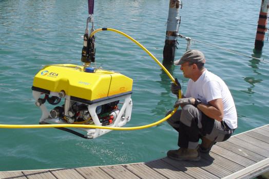 ECA-Group-ROV-H800-COMPACT-SYSTEM-EASY-LAUNCH