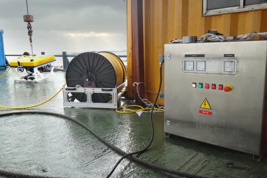 ECA-Group-ROV-H800-POWER-UNIT-AND-WINCH