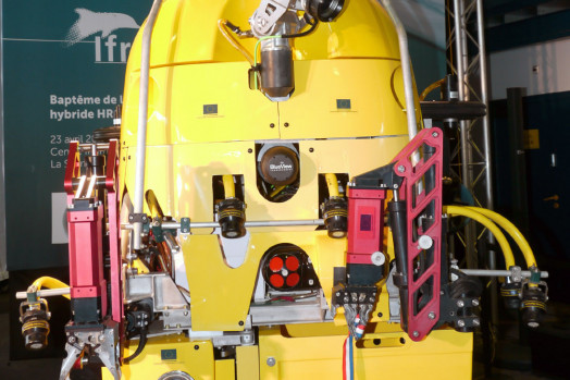 ECA Group H-ROV with electric manipulator arms